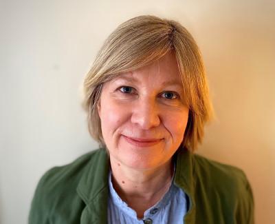 Dr Carolyn Hall